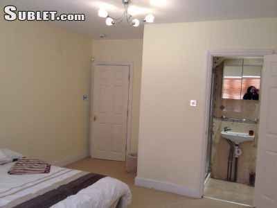 Image 4 Furnished room to rent in Beckenham, Bromley 4 bedroom House