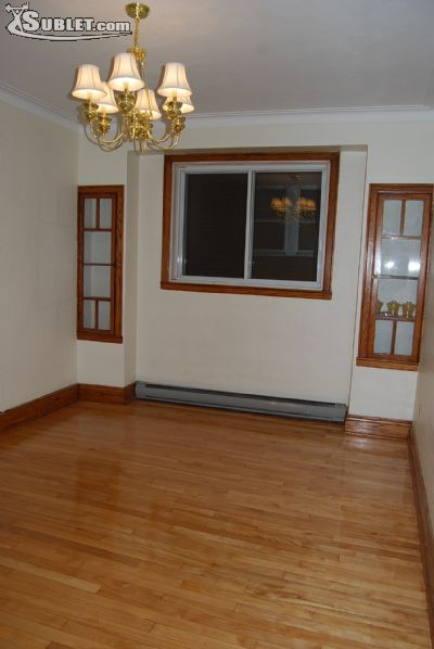 Image 1 unfurnished 3 bedroom House for rent in Montreal West, Montreal