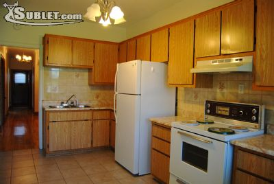 Image 4 unfurnished 3 bedroom House for rent in Montreal West, Montreal