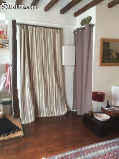 Image 4 furnished 1 bedroom Apartment for rent in 4th-arrondissement, Paris