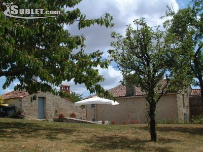 Image 1 furnished 2 bedroom House for rent in Fontenay-le-Comte, Vendee