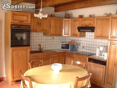 Image 5 furnished 2 bedroom House for rent in Fontenay-le-Comte, Vendee