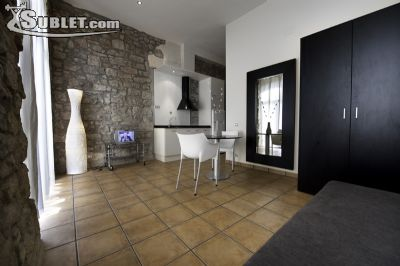 Image 2 furnished Studio bedroom Apartment for rent in Manresa, Bages