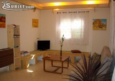 Image 2 furnished 1 bedroom House for rent in Afula, North Israel
