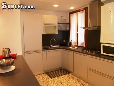 Image 6 furnished 4 bedroom House for rent in Venezia, Venezia