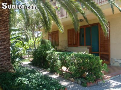 Image 2 furnished 2 bedroom House for rent in Cefalu, Palermo