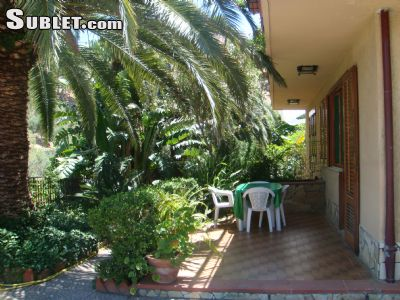 Image 4 furnished 2 bedroom House for rent in Cefalu, Palermo