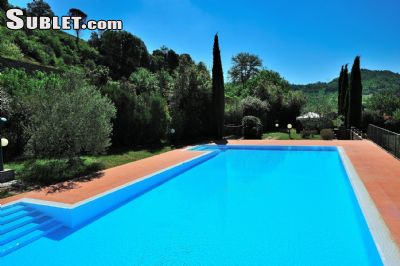 Image 2 furnished 3 bedroom House for rent in Greve in Chianti, Florence