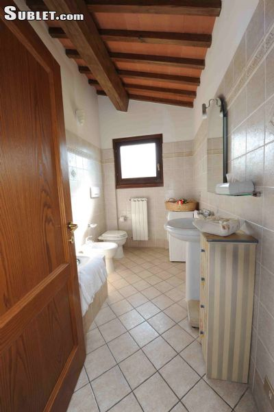 Image 9 furnished 3 bedroom House for rent in Greve in Chianti, Florence
