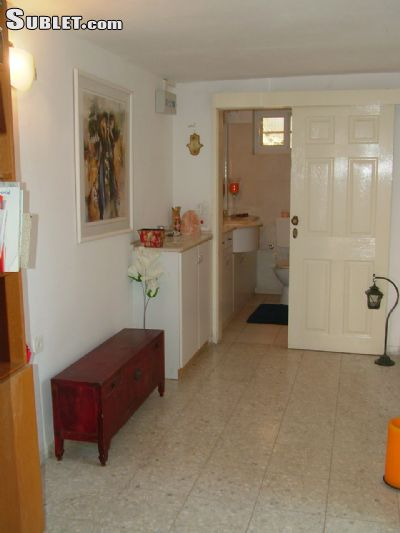 Image 3 furnished 1 bedroom Apartment for rent in Arnona, Southern Jerusalem