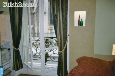 Image 4 furnished Studio bedroom Apartment for rent in 4th-Arrondissement, Paris