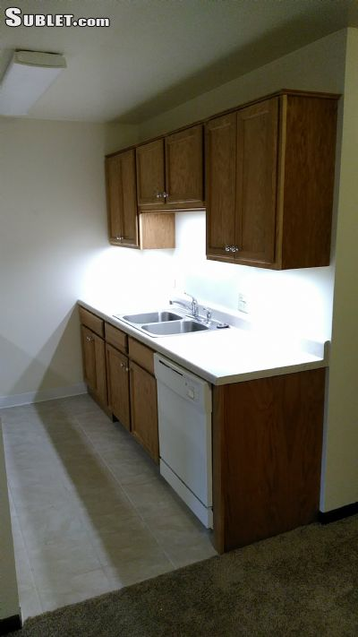 Image 2 unfurnished 2 bedroom Apartment for rent in Bartlett, North Suburbs