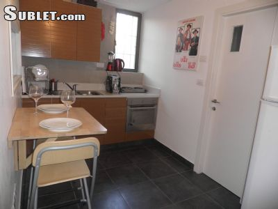 Image 5 furnished 1 bedroom Apartment for rent in Ir David, East Jerusalem