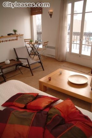Image 4 furnished Studio bedroom Apartment for rent in 18th-arrondissement, Paris