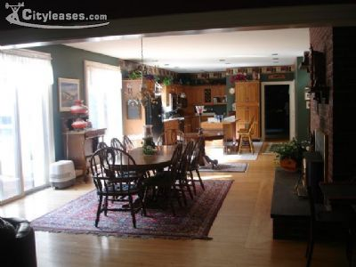 Image 4 furnished 5 bedroom House for rent in South Shore, Boston Area