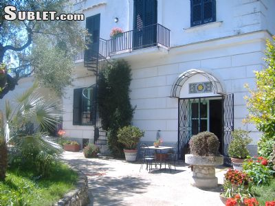 Image 3 furnished 5 bedroom House for rent in Sorrento, Naples