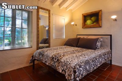 Image 3 furnished Studio bedroom Townhouse for rent in Coral Gables, Miami Area