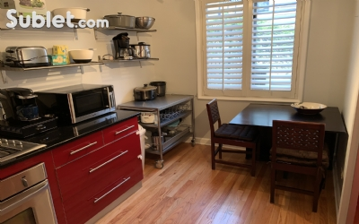 Image 5 furnished 3 bedroom Townhouse for rent in Lincoln Park, North Side