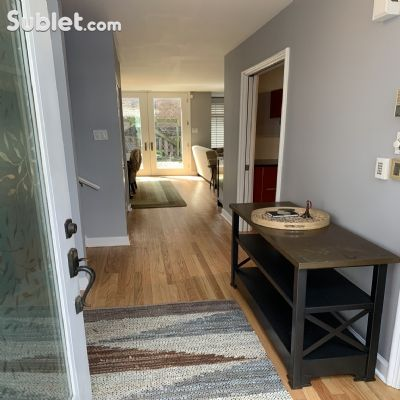 Image 6 furnished 3 bedroom Townhouse for rent in Lincoln Park, North Side