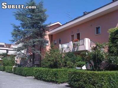 Image 3 furnished 2 bedroom Apartment for rent in Iesolo, Venezia