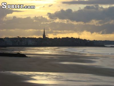 Image 2 furnished 2 bedroom Apartment for rent in Saint-Malo, Ille-et-Vilaine