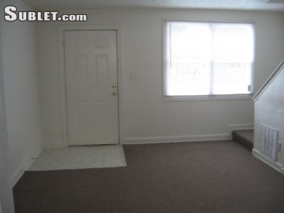 Image 2 unfurnished 2 bedroom Townhouse for rent in Newport News County, Hampton Roads