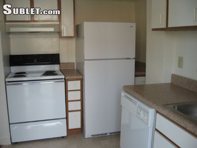 Image 3 unfurnished 2 bedroom Townhouse for rent in Newport News County, Hampton Roads