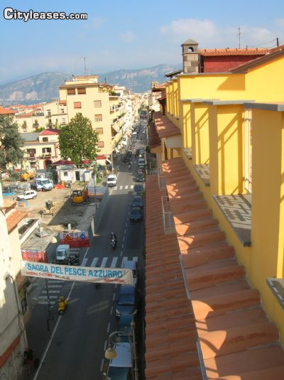 Image 3 either furnished or unfurnished 4 bedroom Apartment for rent in Sorrento, Naples