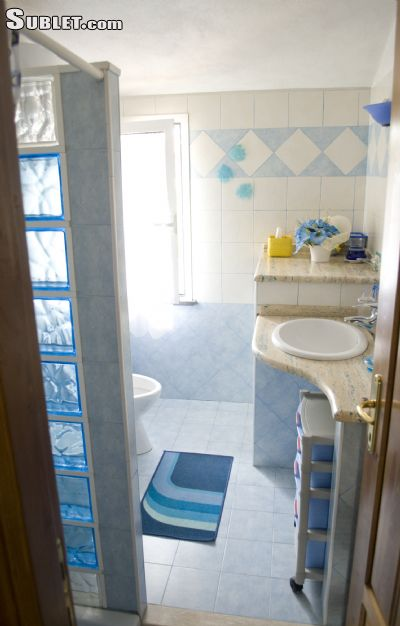 Image 3 furnished 4 bedroom House for rent in Oristano, Oristano