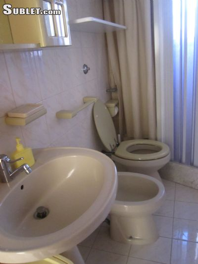 Image 5 either furnished or unfurnished 2 bedroom Apartment for rent in Cisternino, Brindisi