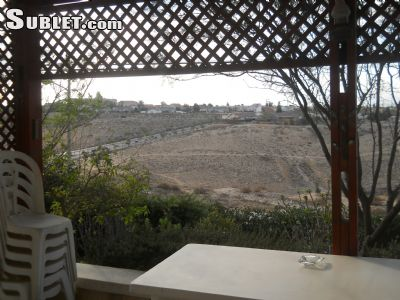 Image 1 furnished 4 bedroom House for rent in Arad, South Israel
