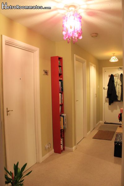 Image 2 Furnished room to rent in Surrey Quays, Southwark 3 bedroom Apartment