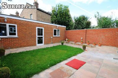 Image 2 Furnished room to rent in Cheap, City of London 4 bedroom Dorm Style