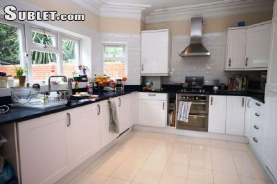 Image 3 Furnished room to rent in Cheap, City of London 4 bedroom Dorm Style