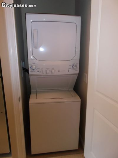 Image 2 unfurnished 1 bedroom Apartment for rent in Baltimore South, Baltimore City