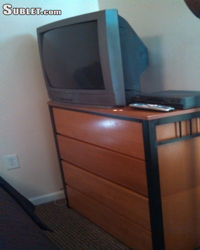 Image 2 Furnished room to rent in Charlottesville, Albemarle County 3 bedroom Dorm Style