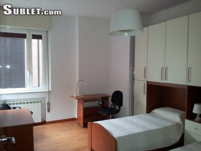 Image 1 Furnished room to rent in Trieste, Roma (City) 4 bedroom Apartment