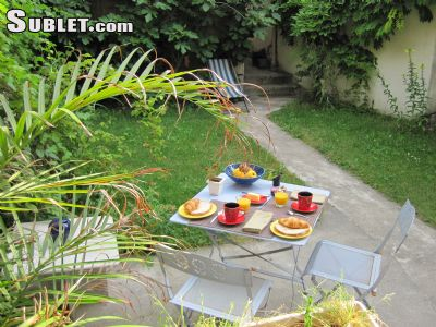 Image 10 furnished 1 bedroom Hotel or B&B for rent in Malakoff, Hauts-De-Seine