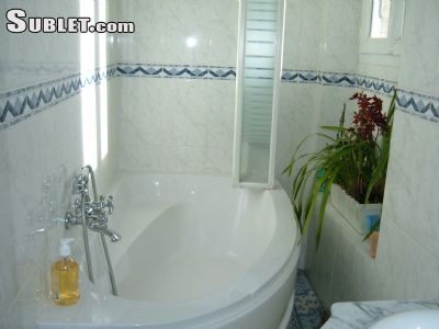 Image 4 furnished 1 bedroom Hotel or B&B for rent in Malakoff, Hauts-De-Seine