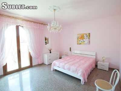 Image 6 furnished 3 bedroom Apartment for rent in Pozzallo, Ragusa