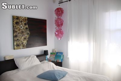 Image 2 furnished 3 bedroom House for rent in Bondi Beach, Eastern Suburbs