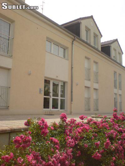 Image 1 furnished Studio bedroom Dorm Style for rent in Dijon, Cote-dOr