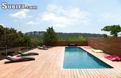 Image 2 furnished 4 bedroom House for rent in Other Bouches-du-Rhone, Bouches-du-Rhone