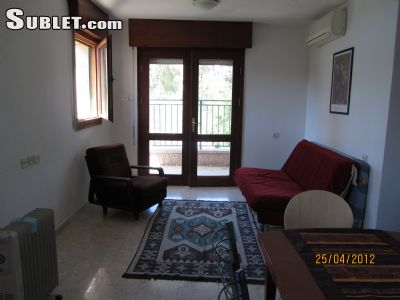 Image 2 furnished 1 bedroom Apartment for rent in German Colony, Southern Jerusalem