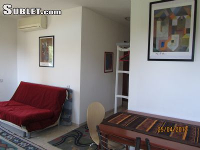 Image 3 furnished 1 bedroom Apartment for rent in German Colony, Southern Jerusalem