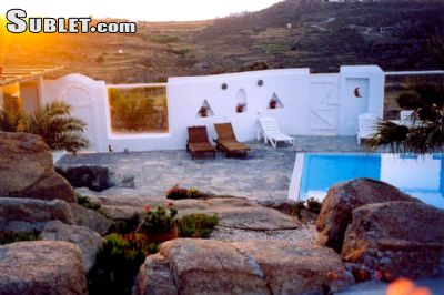 Image 2 furnished 3 bedroom House for rent in Mykonos, Cyclades
