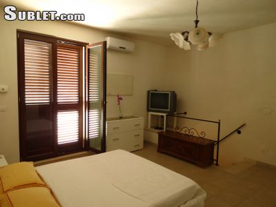 Image 7 furnished 2 bedroom House for rent in Conversano, Bari