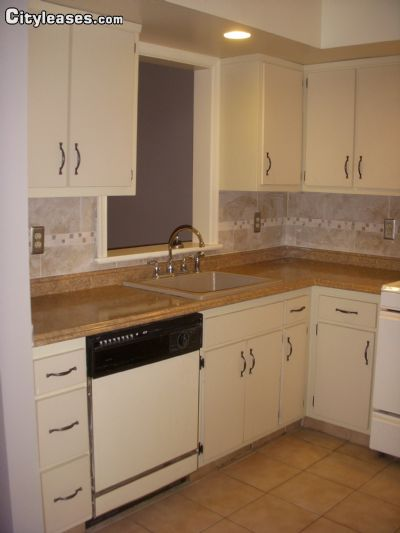 Image 3 unfurnished 2 bedroom Apartment for rent in Mahwah, Bergen County