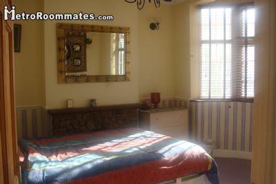 Image 1 Furnished room to rent in Ilford, Redbridge 4 bedroom House