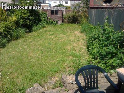 Image 5 Furnished room to rent in Ilford, Redbridge 4 bedroom House